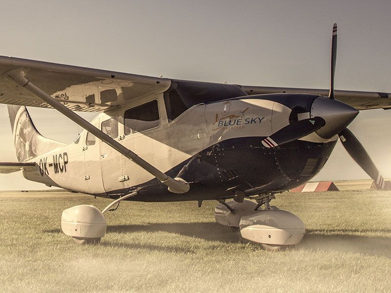 Cessna 206 ok-mcp